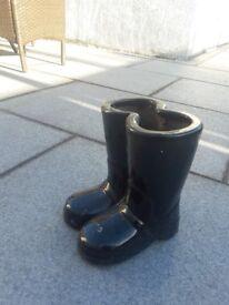 Boot shaped flower pot