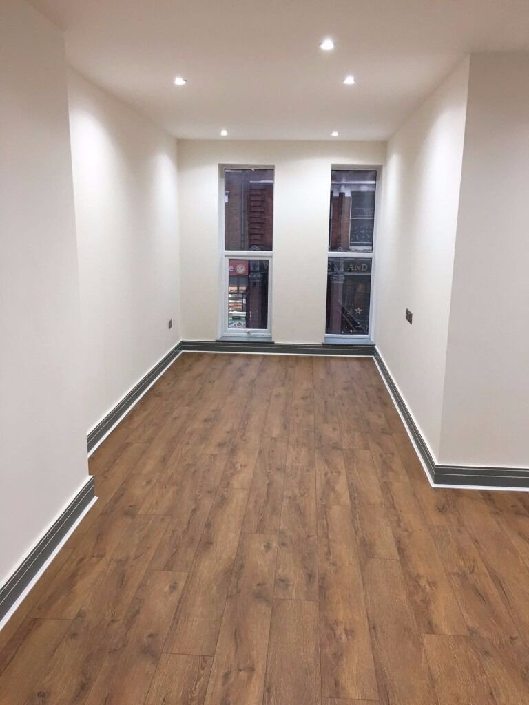 Newly built large 1 bed apartment near station!