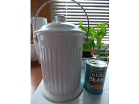 kitchen waste bin for vegetable peelings, teabags etc, from Lakeland, Fife council waste bags fit