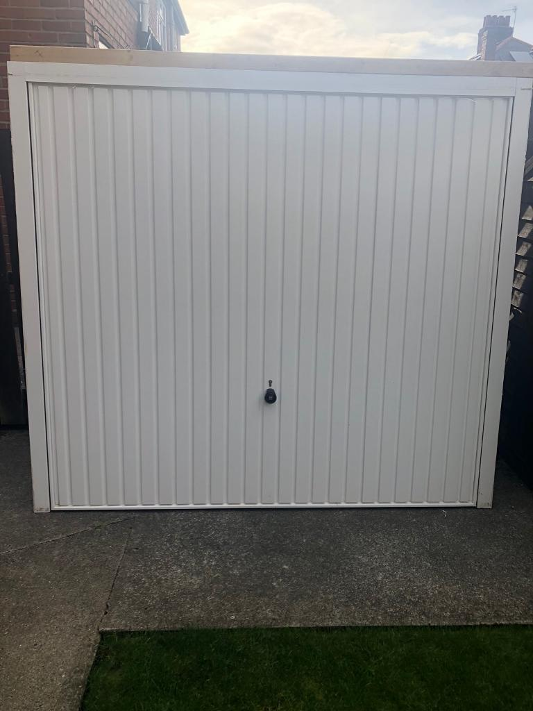 Single Garage Door Ads Buy Sell Used Find Great Prices