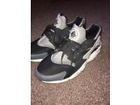 Nike huarache size 8.5 👀👀
