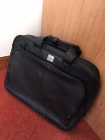 HP Hewlett Packard Invent laptop bag / document case