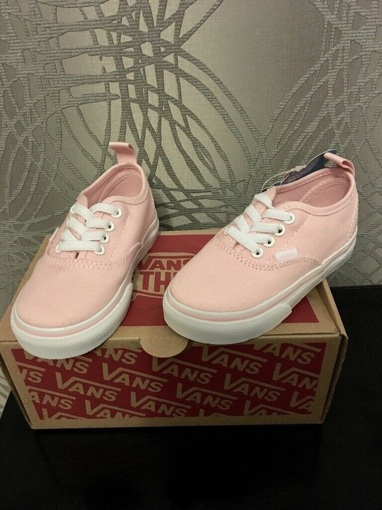 3d5dbe8be0 Brand new girls Vans trainers