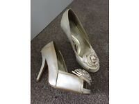 Red Herring Ivory bridal/bridesmaid shoes - size 3