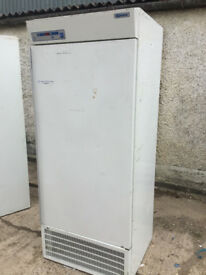 COMMERCIAL CATERING FRIDGE
