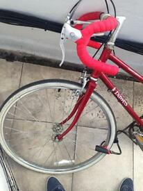 Woman's bike - very good condition