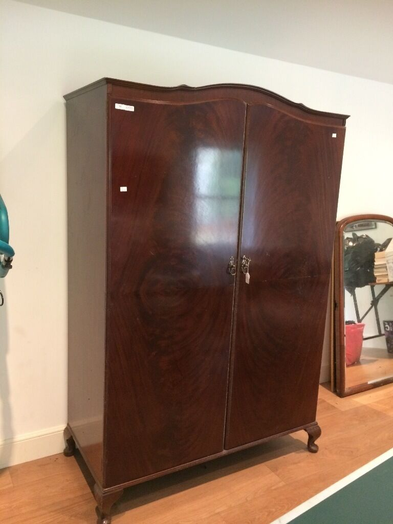 Free to uplift - Georgian mahogany wardrobe. height 188cm x width 120cm x depth 58cm. Good condition