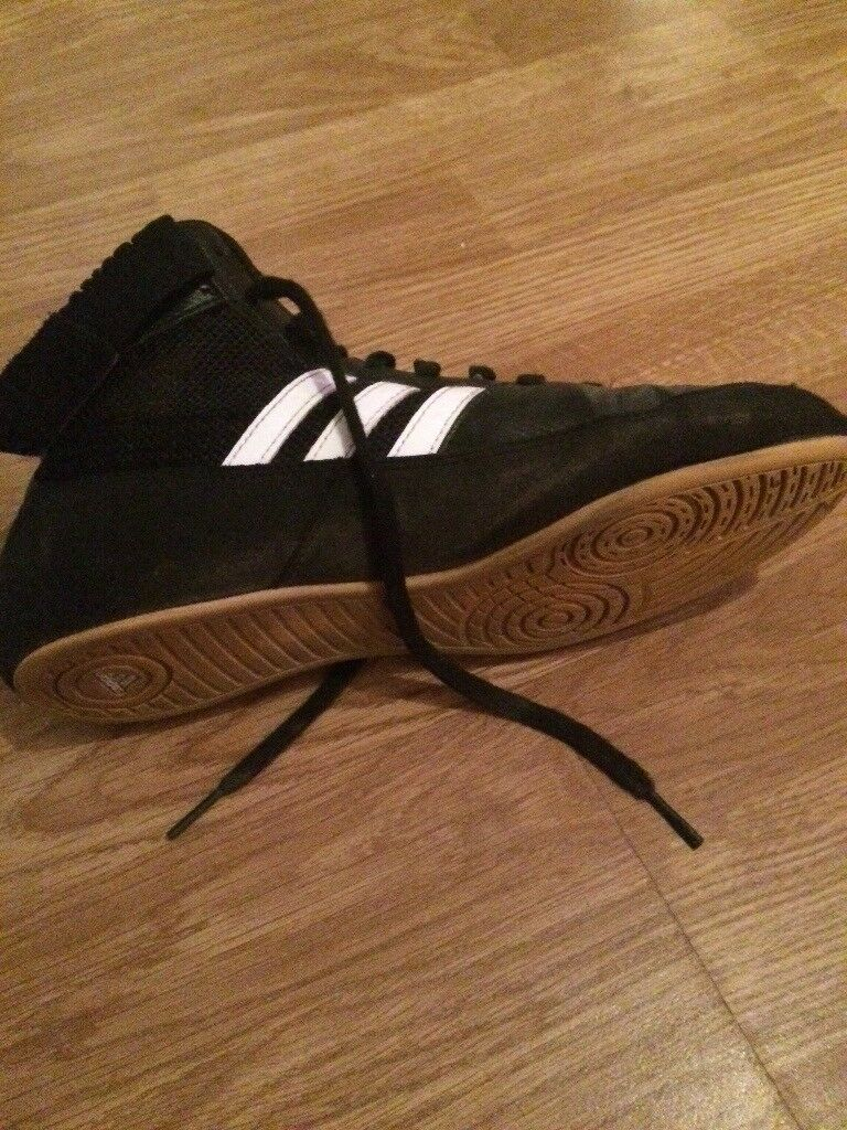 Size 6 boxing boots