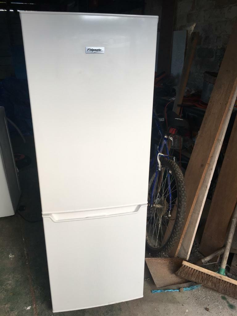 5ft fridge freezer in excellent condition can drop off free if local