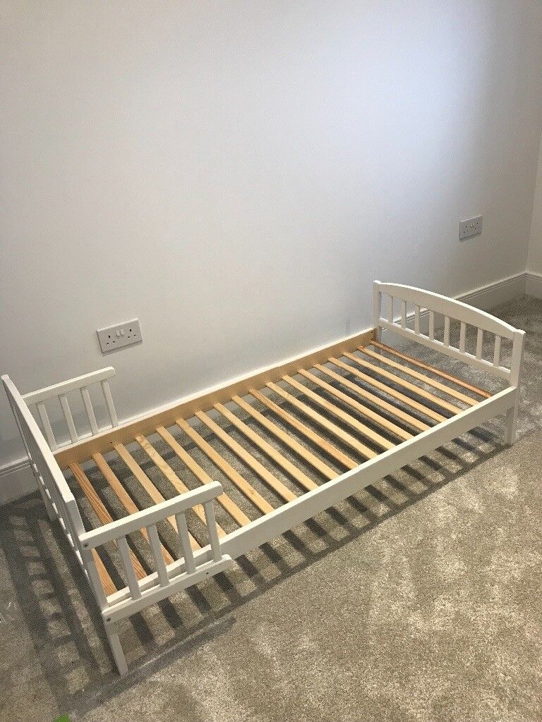 White toddler bed & mattress