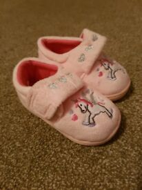 Toddler slippers size 4