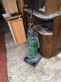 Power lightweight Hoover 2200W Power Edge cleaning vacuum cleaner