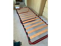 Folding single camp bed