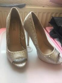 Size 3 ladies sandals