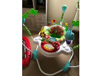 Jumperoo baby jumper
