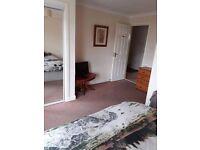 Double bedroom w/ en suite available. West End. £360 a month