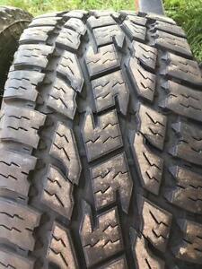 4 pneus lt 285/55r20 toyo 10 plies comme neufs