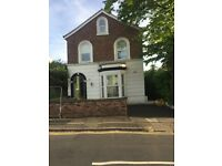 Spacious 2 Bedroom Ground Floor Flat To Let in Tranmere.