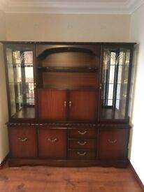 JOHN COYLE ROPE EDGE MAHOGANY DISPLAY CABINET/CV UNIT/LAMP TABLE/NEST OF TABLES