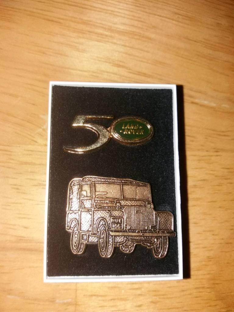 Land Rover pin badges