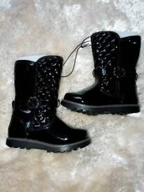 Girls size 7 brand new black patent quilted boots( debenhams)
