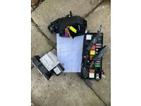 Vectra c esp pump and uy cim and fuse box with security code and 2 keys