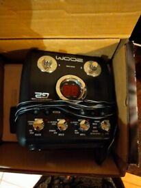 Zoom G2 guitar pedal