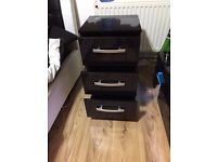 3-Drawer High-Gloss Bedside Table - Black