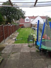3 Bedroom Terraced House for rent. Excellent location