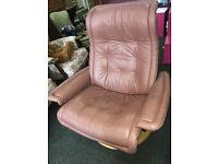 Lovely Vintage Ekornes Stressless Recliner Swivel Armchair
