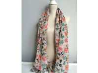 Job Lot of Ladies Scarves/Shawls. Ideal for Shop/Boutique/Online. Approx 23+ Scarves, Birds/Floral