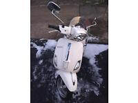 Vespa s 125 2010 clean bike