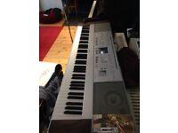 Yamaha Dgx - 640 Digital piano keyboard