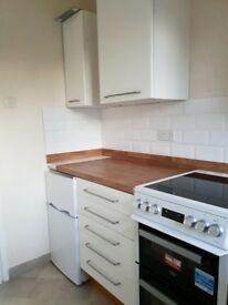 Beautiful 2 Bed Flat Newly Refurbished designated parking