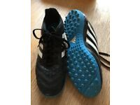 Adidas football boots trainers size 7 in excellent condition