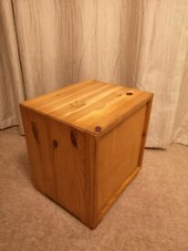 Small bedside table - FREE