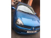 Renault Blue Clio- For Sale for personal use or parts. needs to go ASAP as need space