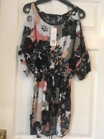 F&F ladies size 6 top, new with tags