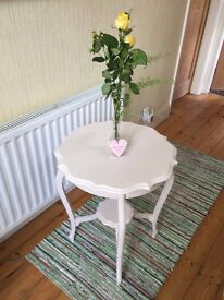 Table painted in Ivory Tusk