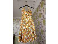 Vivien of Holloway 1950s Retro Halterneck Dress - Daisies Orange/Yellow - Size 16
