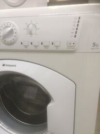 Hot point 5 kg washing machine (free delivery)