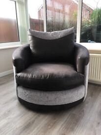 Black and grey swivel chair / cuddle chair. Excellent condition