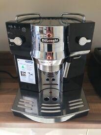 DeLonghi Espresso Coffee Machine, Black, EC 820 B