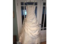Exclusive Ian Stuart Bride Frangipani wedding dress - never worn tags still on dress