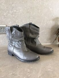 Size 6 grey ankle boots
