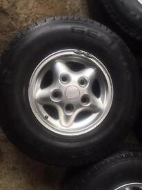 Land Rover alloy wheels x4
