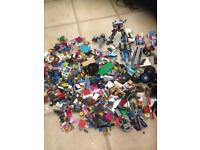 Assorted lego pieces.