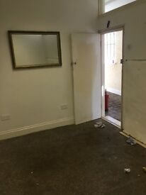Office/storage rooms to let - choice of three