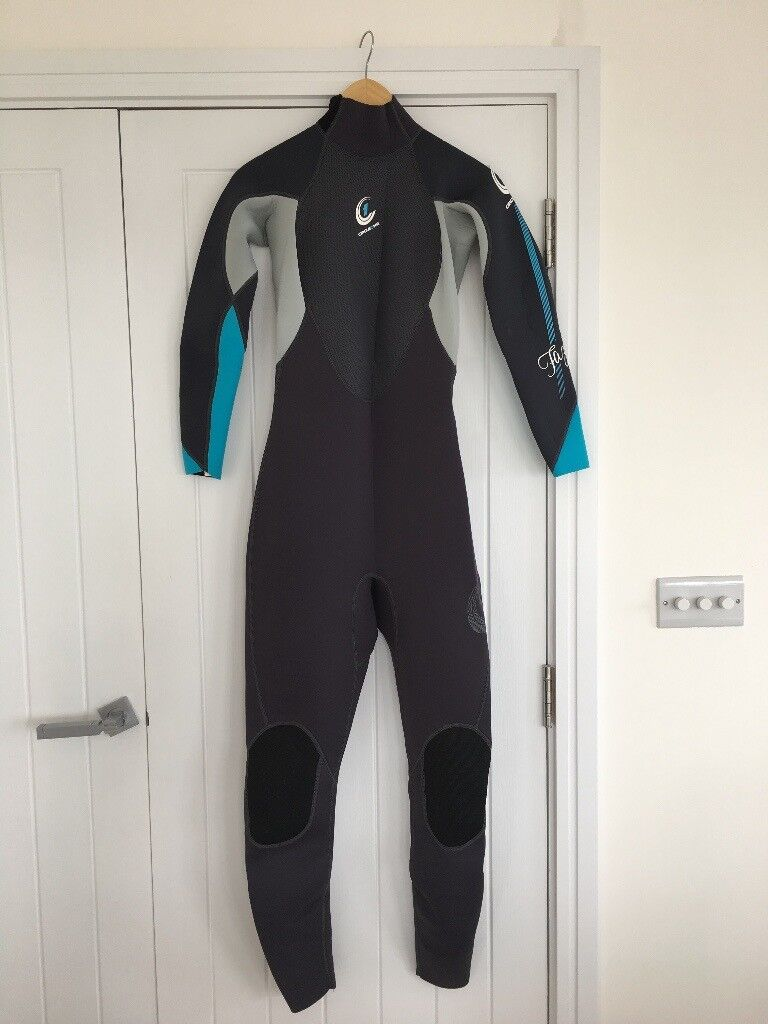 9d5b9fcc89 Circle One FAZE Women s 3 2mm Summer Wetsuit Size 12