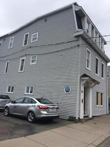 145 Metcalf St. 3BR North, Heated, W/D, Pets, Parking™